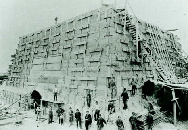 statue-of-liberty-pedestal-construction_new-york-city_untapped-cities-001